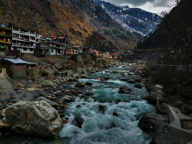 kheerganga kasol treks and tours hippie trail himachal pradesh