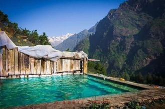 himachal tour package kheerganga trek