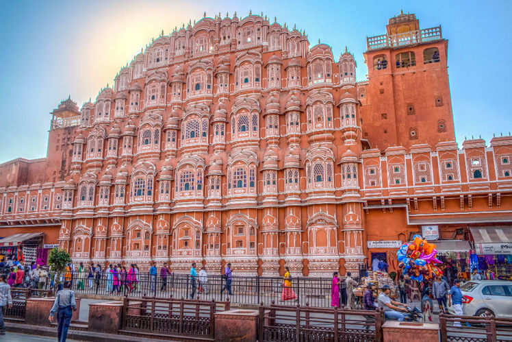 Book Outstation Taxi from Gurgaon to Jaipur